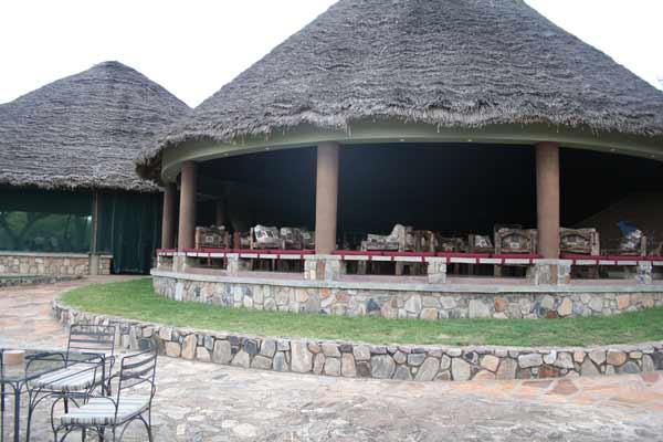 salle a manger tarangire safari lodge