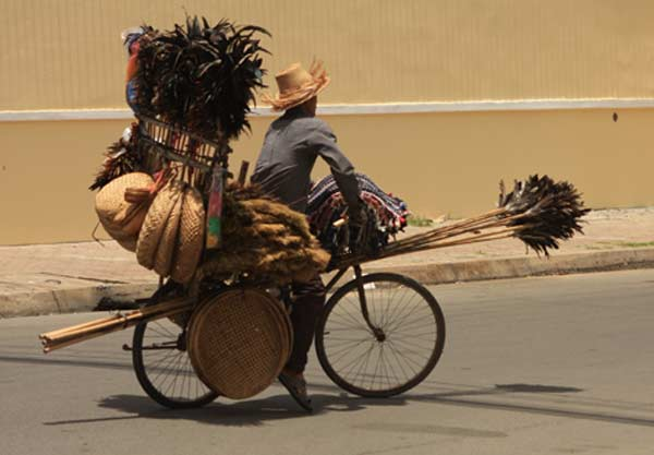 Vélo très chargé
