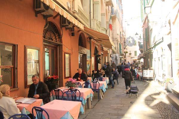 Rue du centre-ville de San Remo