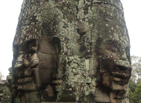 Visages sculptés Angkor