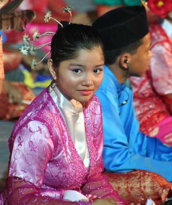 Costume de la fête de l'indépendance de la Malaisie