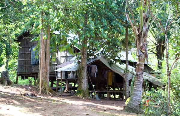 village aslis lac chini