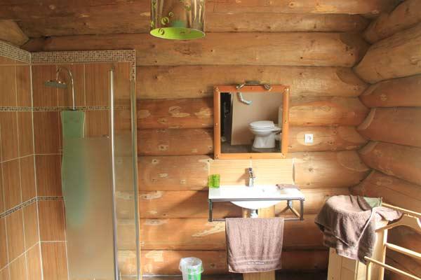 Salle de bains adaptée handicapés au Val de Trolls