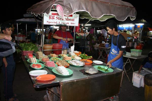Marché de nuit en Malaisie
