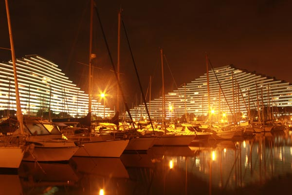 marina baie anges by night