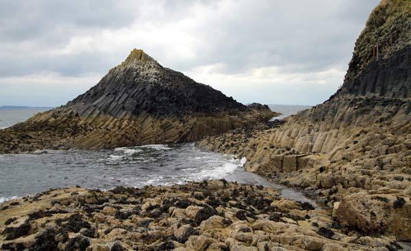 île de Staffa en basalte en Ecosse