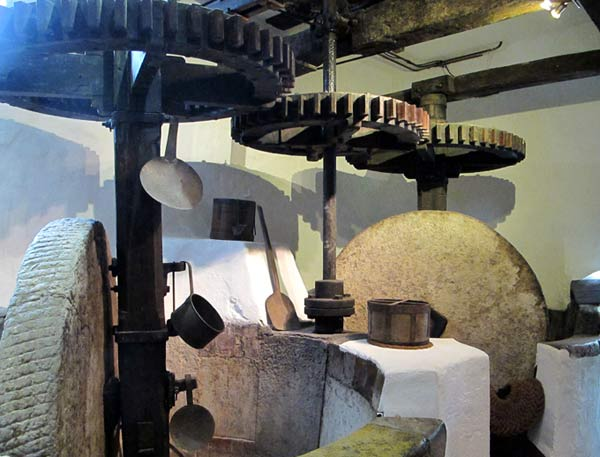 moulin opio boutique