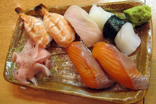 sushis restaurant Tokyo