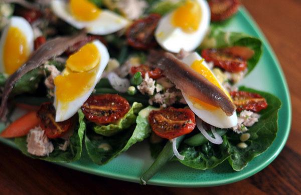 spécialités niçoises : salade niçoise