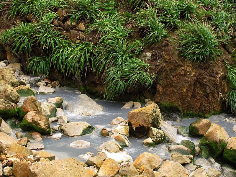 sources eau vallee desolation boiling lake