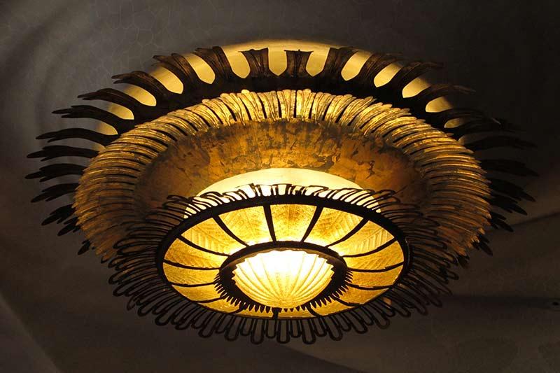 casa batllo gaudi lumière