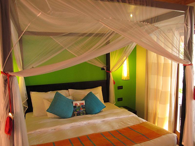 lit Vilamendhoo Island Resort