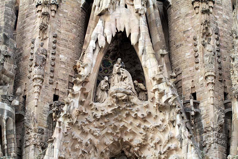 Sagrada Familia Barcelone détails façade