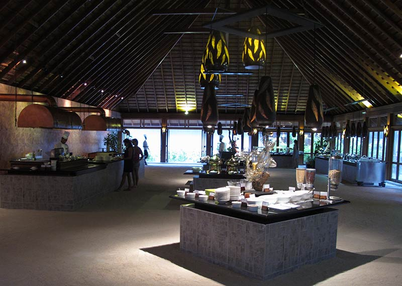 Vilamendhoo Island Resort buffet