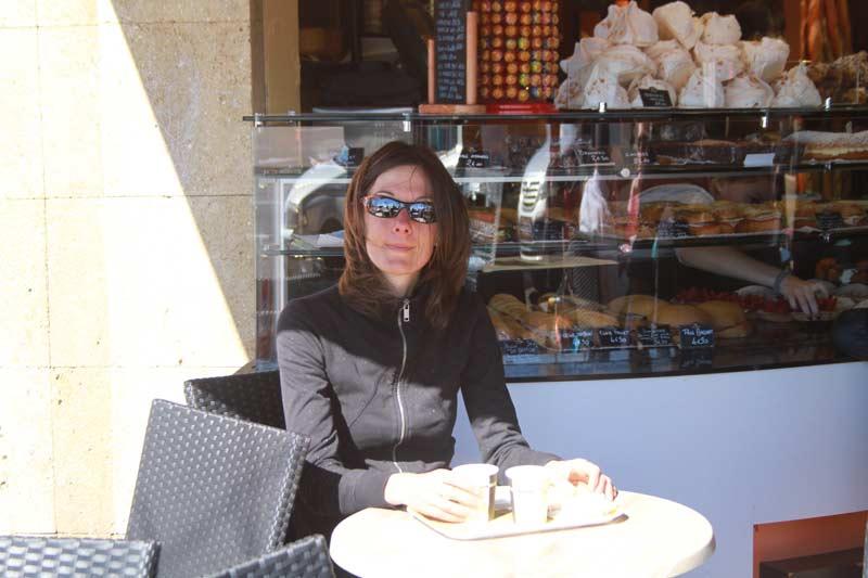 En France aussi, terrasse boulangerie Jamais & Fils