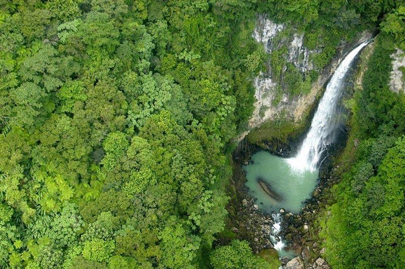 La Dominique cascade