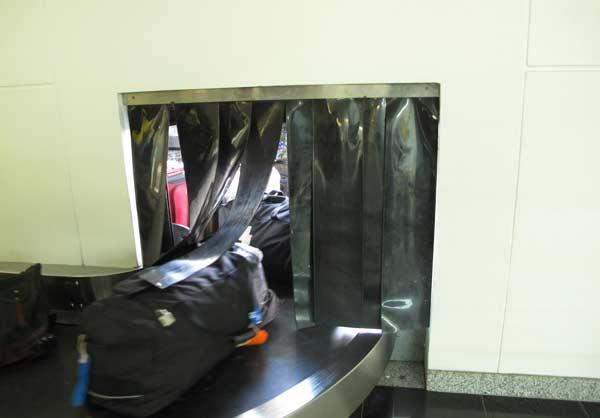 Arrivée des bagages aux Galapagos