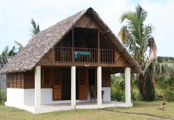 Bungalow familial du Meva Paradis sur l'île aux Nattes
