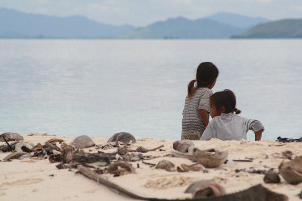 Deux fillettes à Sibuan