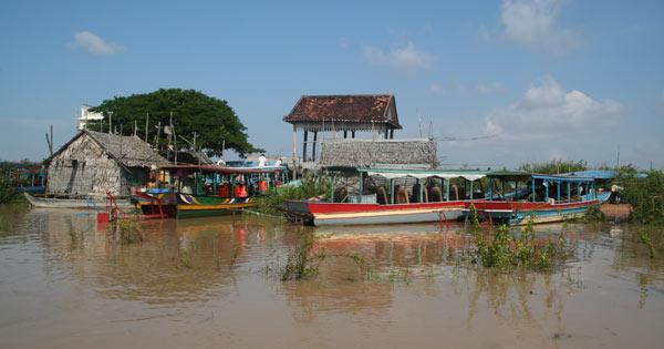 Embarcadère pour aller à Kompong Phluk