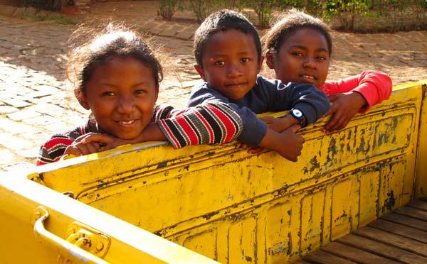 Enfants de l'orphelinat de Fianarantsoa