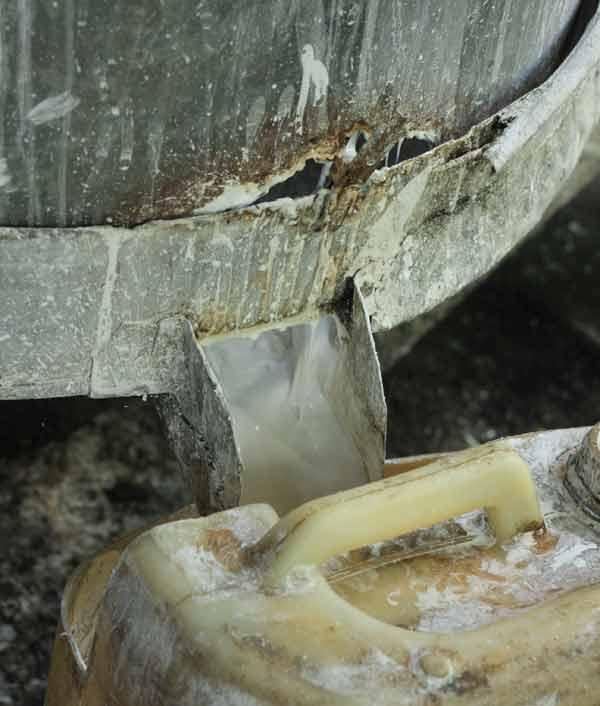 Filtrage de la pâte pour les feuilles de riz