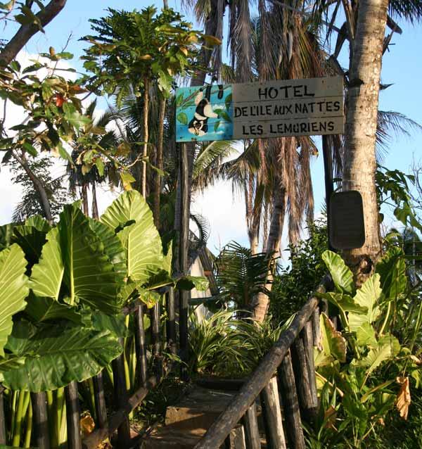 Entrée de l'hôtel les Lémuriens