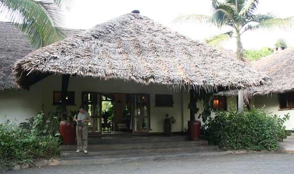 L'entrée du Moivaro Lodge