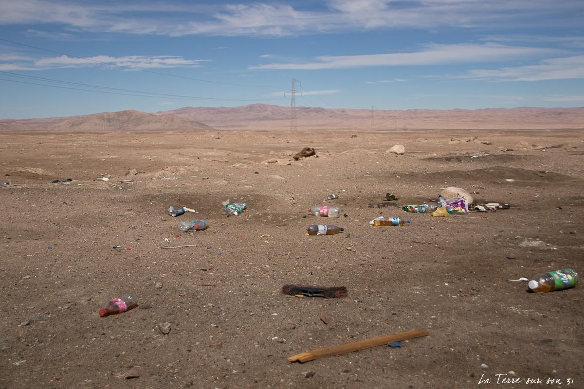 désert d'atacama déchets