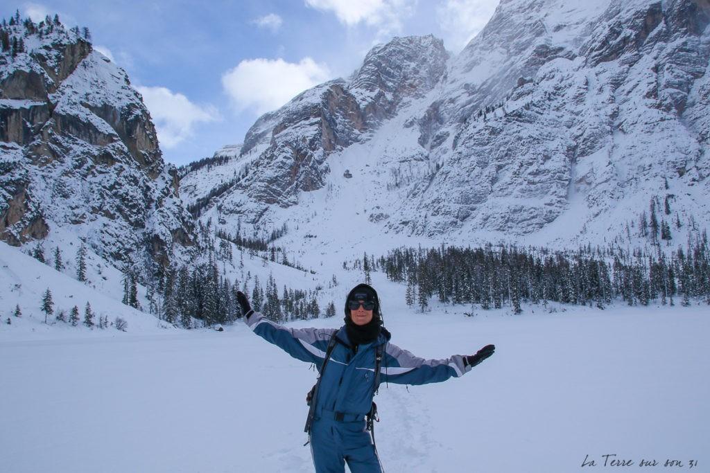 Dolomites, lac de Braies l'hiver