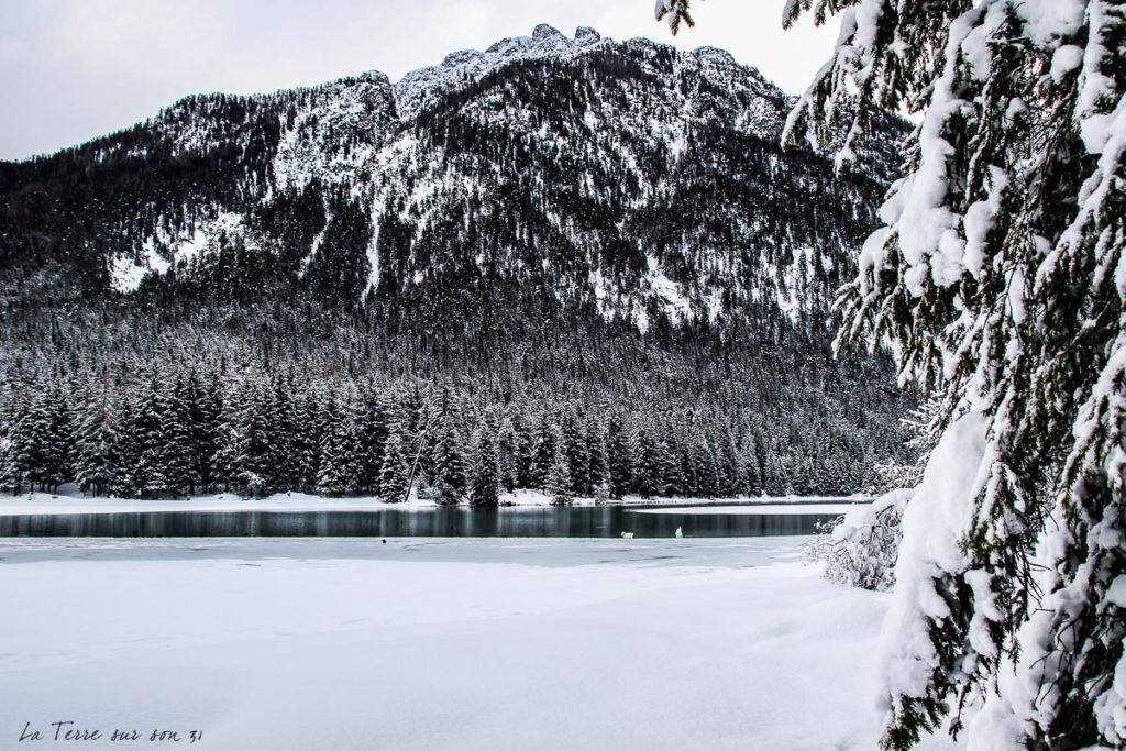 lac dobbiaco hiver italie