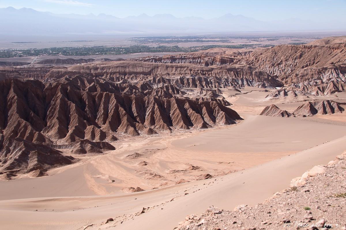 Vue sur l'oasis de San Pedro de Atacama depuis la vallée de la Mort
