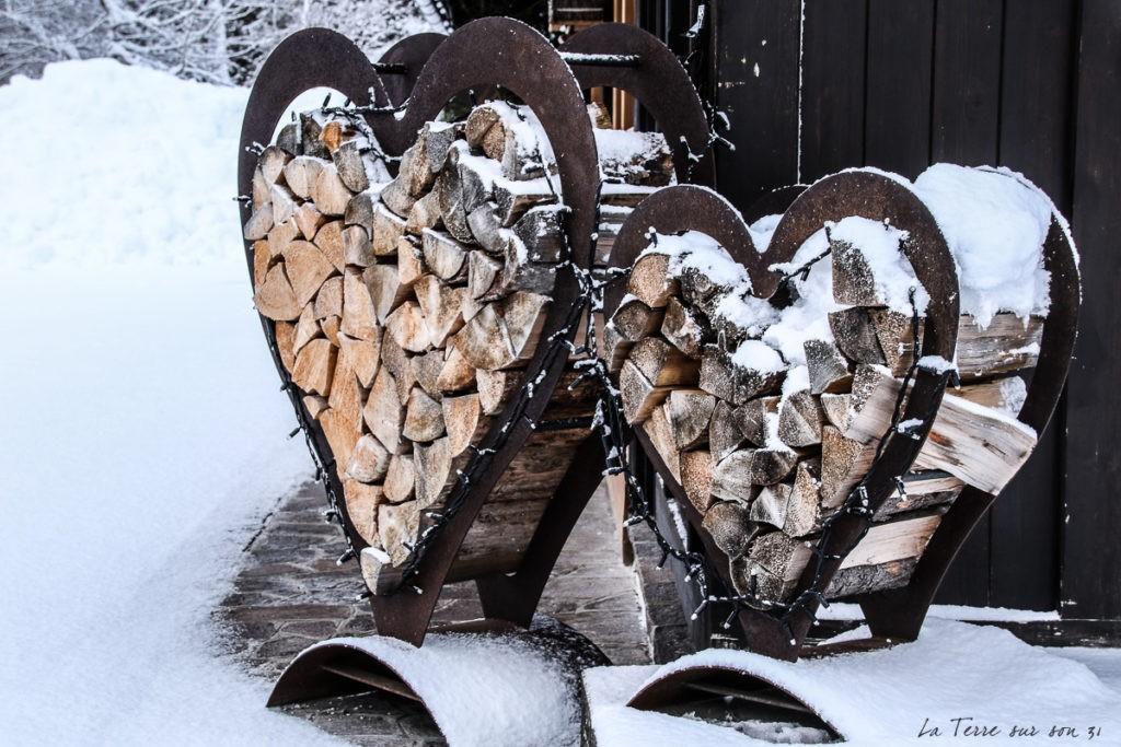 cœur en bois, road trip en van en hiver