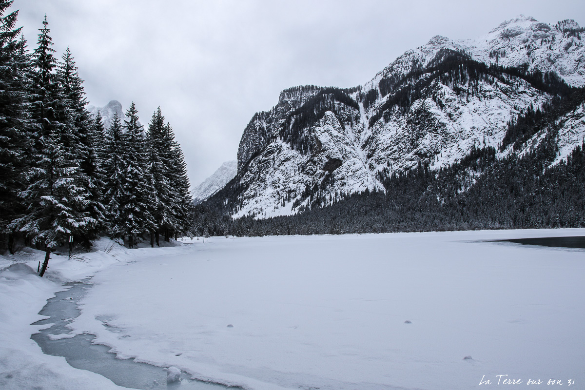 lac dobbiaco gelé hiver