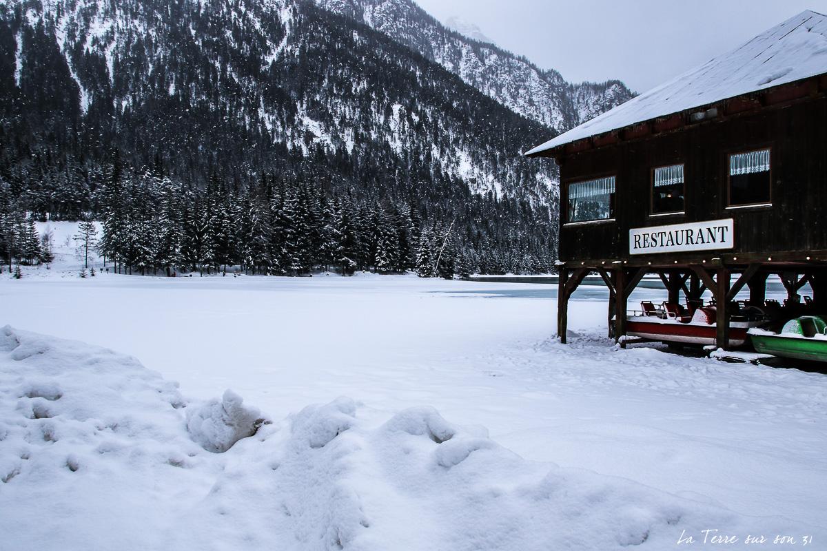 neige lac dobbiaco hiver