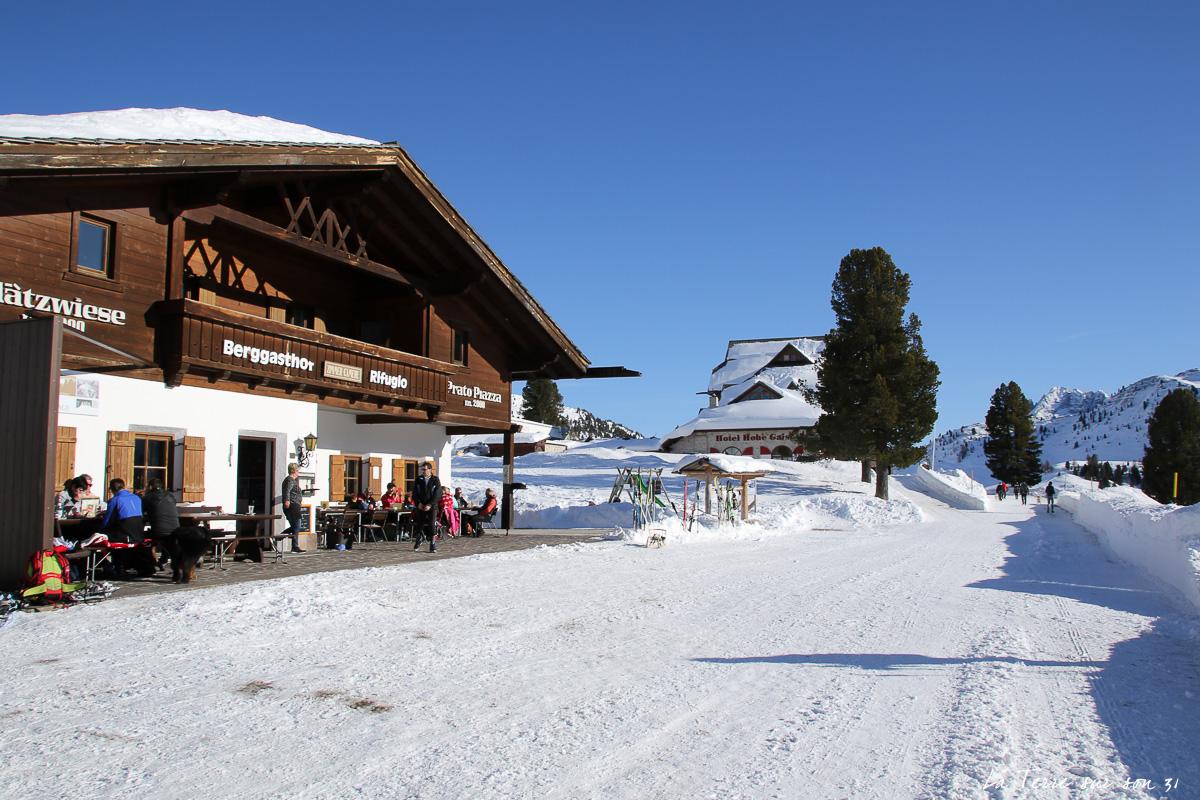 refuge berggasthof plätzwiese dolomites