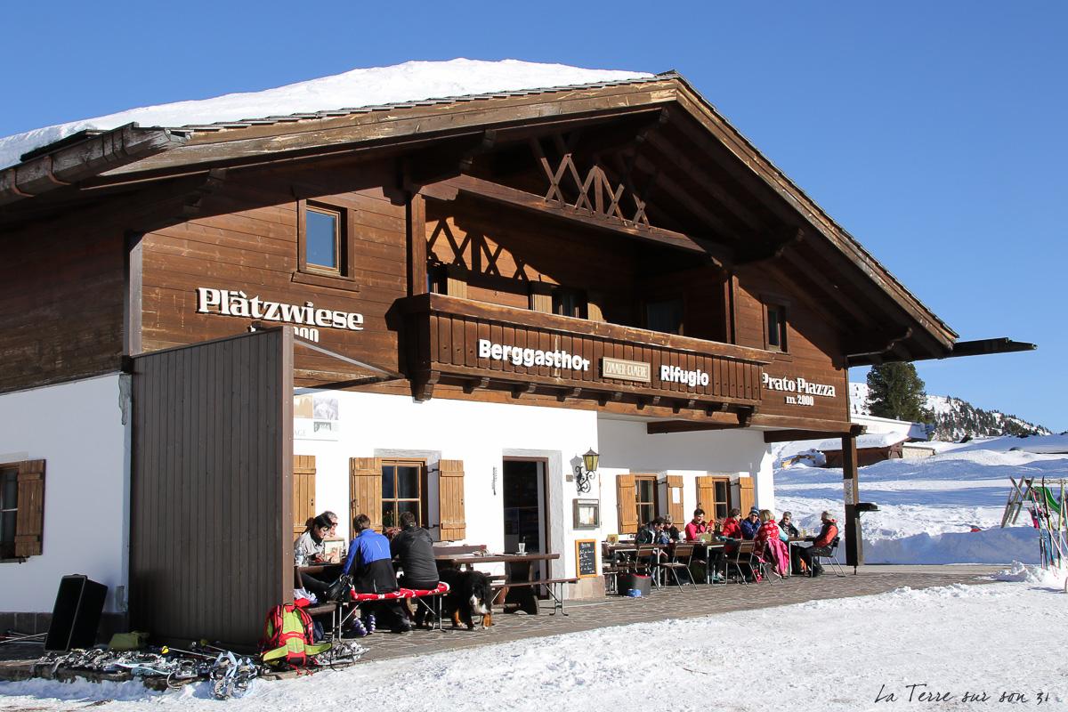 terrasse refuge berggasthof plätzwiese dolomites