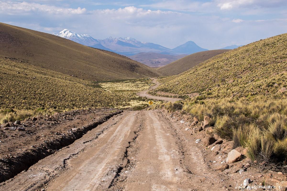 piste d'accès aux geysers de Puchuldiza