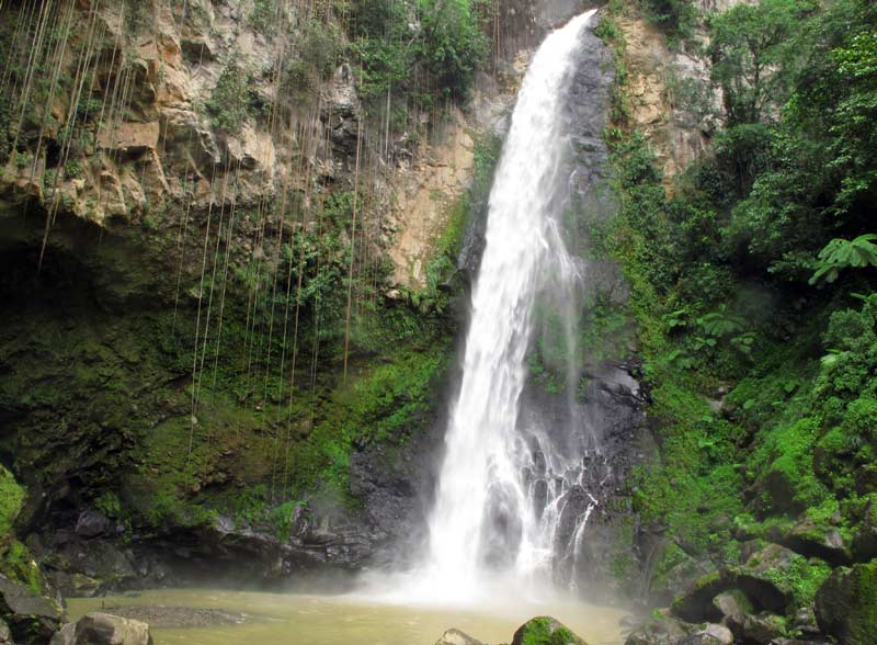 victoria falls dominica