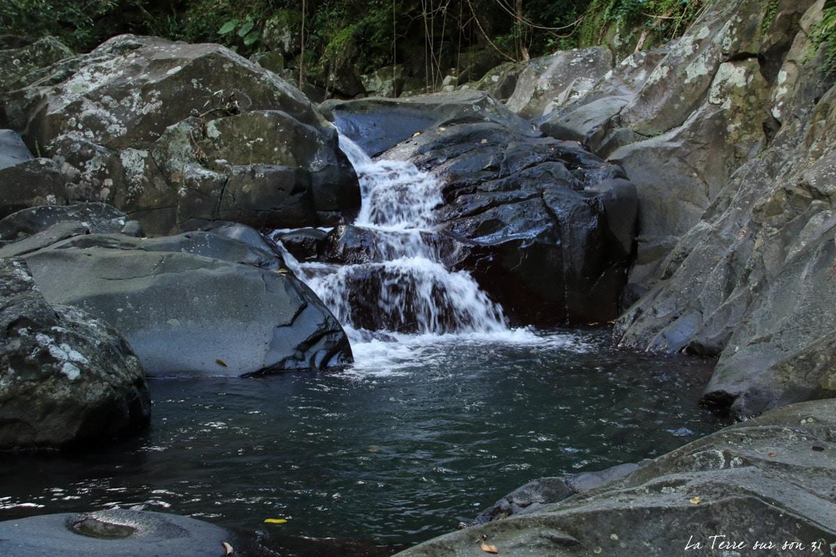bassin cascade 2 rivière caillou